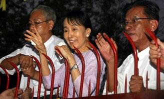 aung-san-suu-kyi-11-13-2010